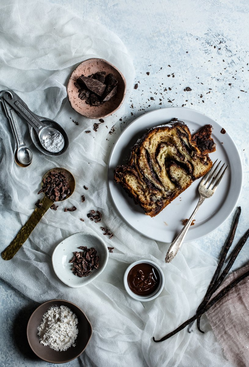 food styling light babka