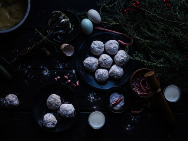 beautiful christmas cookies food styling