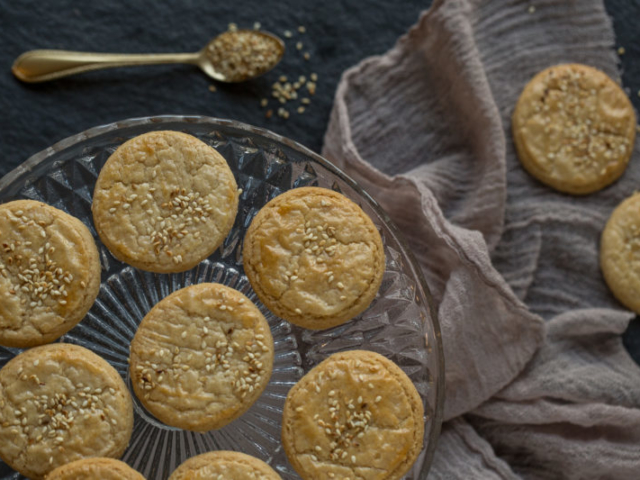 sesame cookies food photography